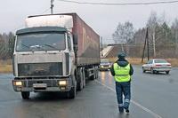 Эвакуация большегрузов на штрафплощадки в Ростове
